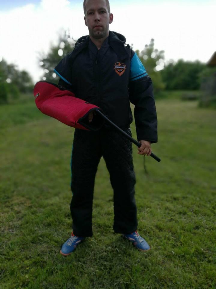 Ubrania treningowe z kapturem jak Robin Hood